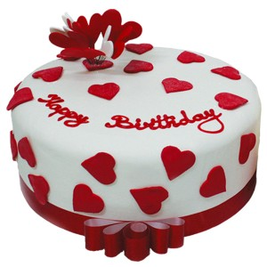 Heart-Birthday-Cake-on-Valentine-Day